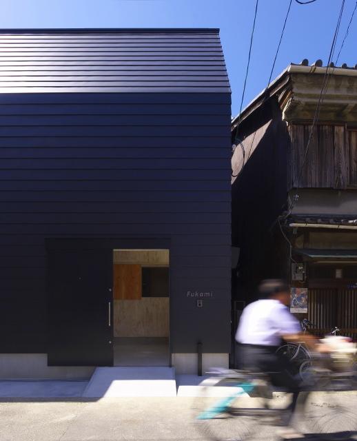 大阪市内の都市型コートハウスです。_d0111714_10191418.jpg