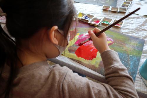 やと子ども美術教室 ~ 宇宙を描く ~_e0222340_13550579.jpg