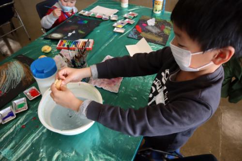 やと子ども美術教室 ~ 宇宙を描く ~_e0222340_13550977.jpg