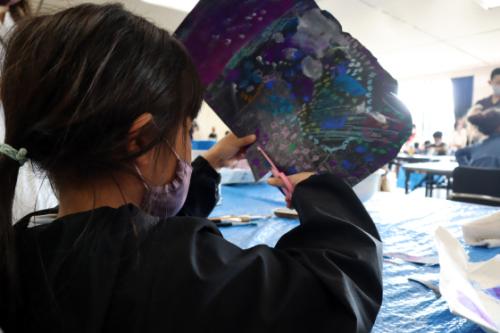 やと子ども美術教室 ~ 宇宙を描く ~_e0222340_13554011.jpg