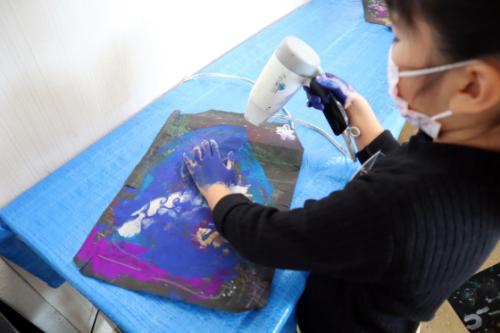 やと子ども美術教室 ~ 宇宙を描く ~_e0222340_13554487.jpg