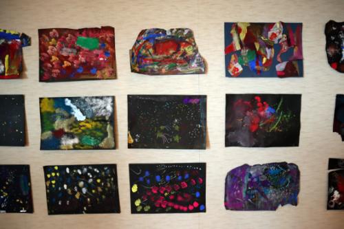 やと子ども美術教室 ~ 宇宙を描く ~_e0222340_13565299.jpg