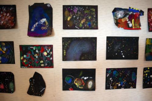 やと子ども美術教室 ~ 宇宙を描く ~_e0222340_13565548.jpg