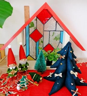 パッチワークとステンドグラスと木工品が素敵な生徒さんのお宅。_b0194861_11224264.jpg