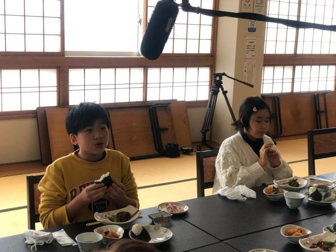牧小5年生のコイ料理体験_d0182179_08383105.jpg