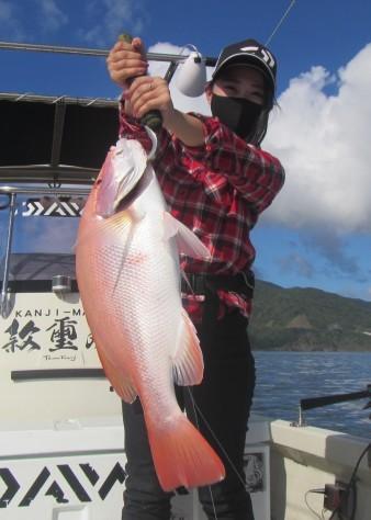 お正月用に高級魚を釣ろう!款璽丸_c0203337_21354843.jpg