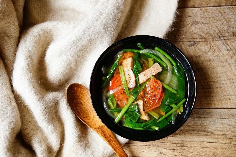 【簡単おかずスープ】炒めベーコンと玉ねぎのトマトスープ_d0257958_13143732.jpeg
