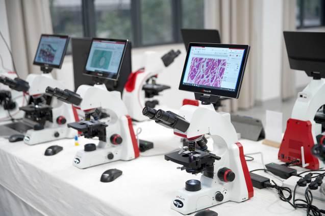 鳳凰光学新世帯AIスマートデジタル顕微鏡制作発表_d0357499_13202078.jpg