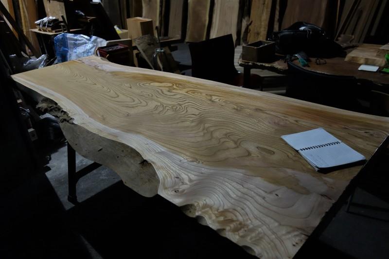 一枚板 木材倉庫_e0156341_08413405.jpg