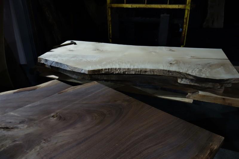 一枚板 木材倉庫_e0156341_08413873.jpg