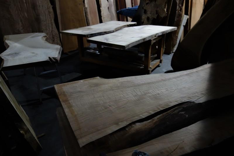 一枚板 木材倉庫_e0156341_08414286.jpg