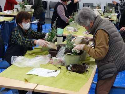 園芸講習会「クリスマスの寄せ植えづくり」開催の様子R2.12.4_d0338682_10331514.jpg