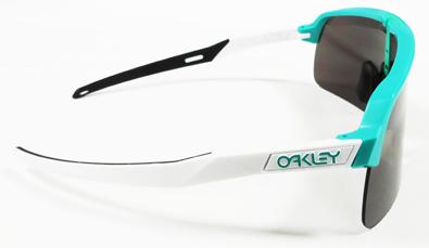 OAKLEY(オークリー)シールドレンズ採用ラージサイズライフスタイルサングラスOILRIG(オイルリグ)再発売!_c0003493_14190911.jpg