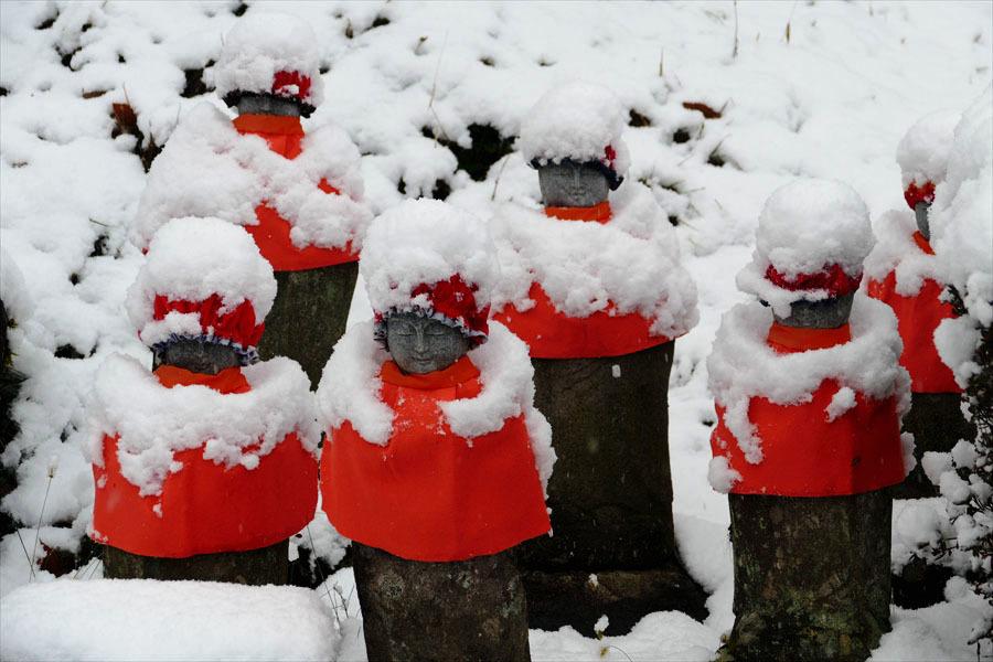 福島市小田「陽 林 寺」の雪の日のお地蔵様_d0106628_21420183.jpg