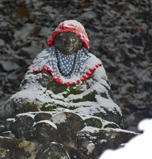 福島市小田「陽 林 寺」の雪の日のお地蔵様_d0106628_21424151.jpg
