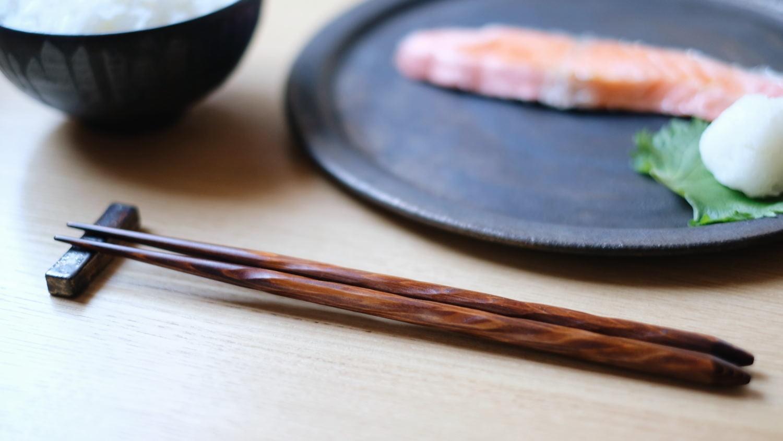 拭き漆の削り箸 (Mono.オリジナル)_e0161480_18035019.jpg