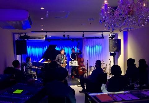 Jazzlive Comin ジャズライブカミン 広島 12月17日〜1月8日まで休業します。_b0115606_09093462.jpeg