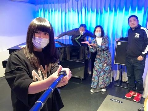 Jazzlive Comin ジャズライブカミン 広島 12月17日〜1月8日まで休業します。_b0115606_09095865.jpeg
