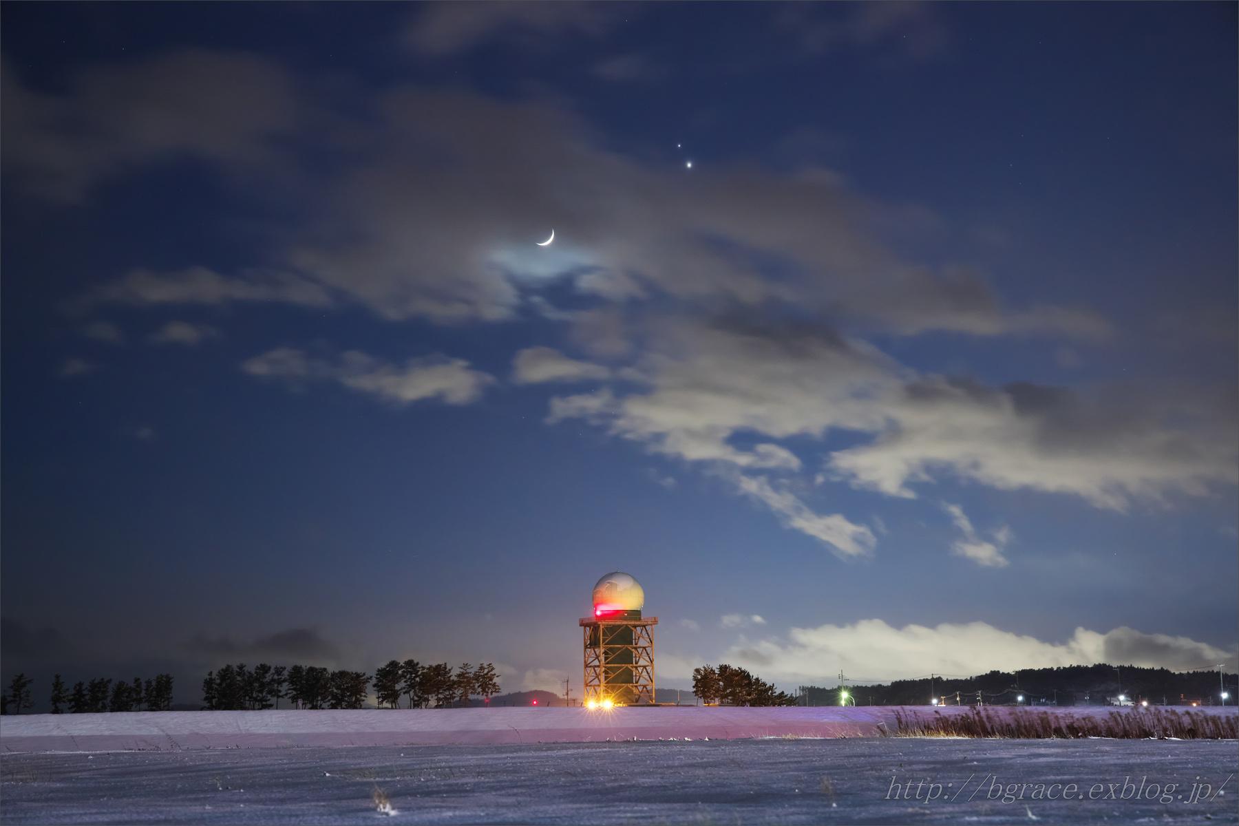 細い月と木星、土星の接近_b0191074_22172320.jpg