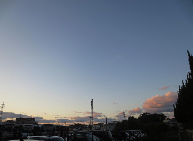 ■「孤独になるには」加藤典洋詩、そして雲と月の居る夕空──週替わりの夕暮れ[12/17・19・20]_d0190217_21460826.jpg