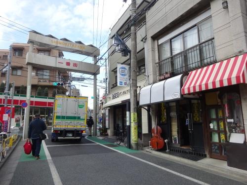 午前中にシモキタへ_f0097523_15290779.jpg