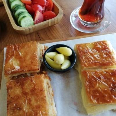 チーズのボレキとひき肉のボレキ。_f0232763_10021492.jpg