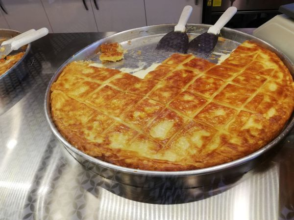 チーズのボレキとひき肉のボレキ。_f0232763_10022477.jpg