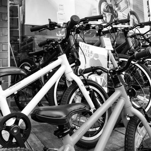 RITEWAY ライトウェイ 子供自転車 「ZIT ジット」キッズバイク おしゃれ子供車 ライトウェイジット_b0212032_19350522.jpeg