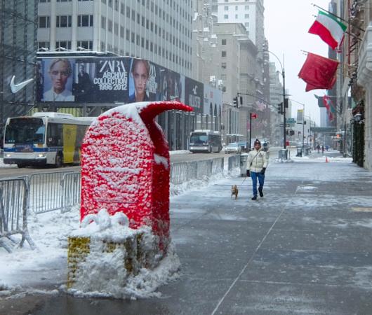 """光る巨大おもちゃでニューヨークの五番街を飾り付け """"Make it Bright"""" campaign 2020-21_b0007805_05350767.jpg"""