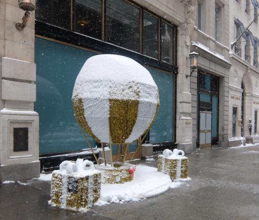 """光る巨大おもちゃでニューヨークの五番街を飾り付け """"Make it Bright"""" campaign 2020-21_b0007805_06283219.jpg"""