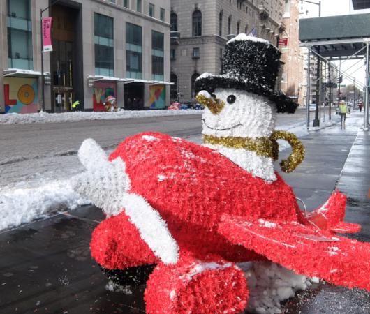 """光る巨大おもちゃでニューヨークの五番街を飾り付け """"Make it Bright"""" campaign 2020-21_b0007805_06310111.jpg"""