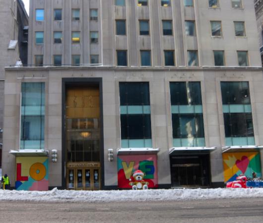 """光る巨大おもちゃでニューヨークの五番街を飾り付け """"Make it Bright"""" campaign 2020-21_b0007805_06385884.jpg"""