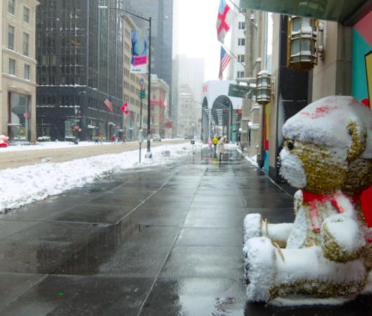 """光る巨大おもちゃでニューヨークの五番街を飾り付け """"Make it Bright"""" campaign 2020-21_b0007805_06420604.jpg"""