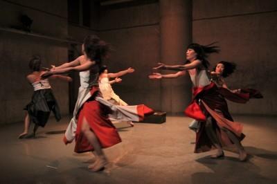 今年最後を飾った「ダンスブッリッジ」3組の物語るダンスで幕となる_d0178431_18290343.jpg