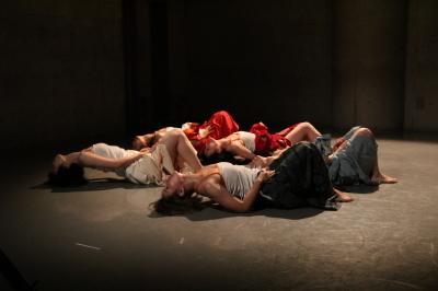 今年最後を飾った「ダンスブッリッジ」3組の物語るダンスで幕となる_d0178431_20254141.jpg