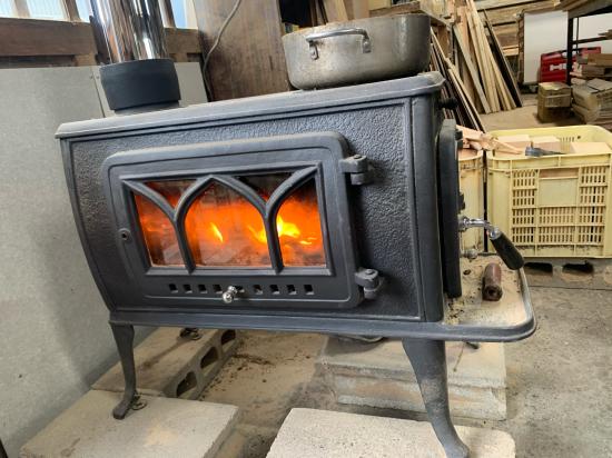 工場のストーブ、煙突新品。初火入れ。_f0053665_20381843.jpg