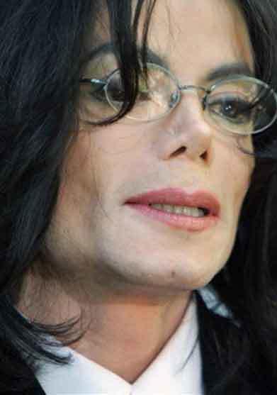 マイケル・ジャクソンさんは生きている?!?/ 比較画像_b0003330_00285204.jpg