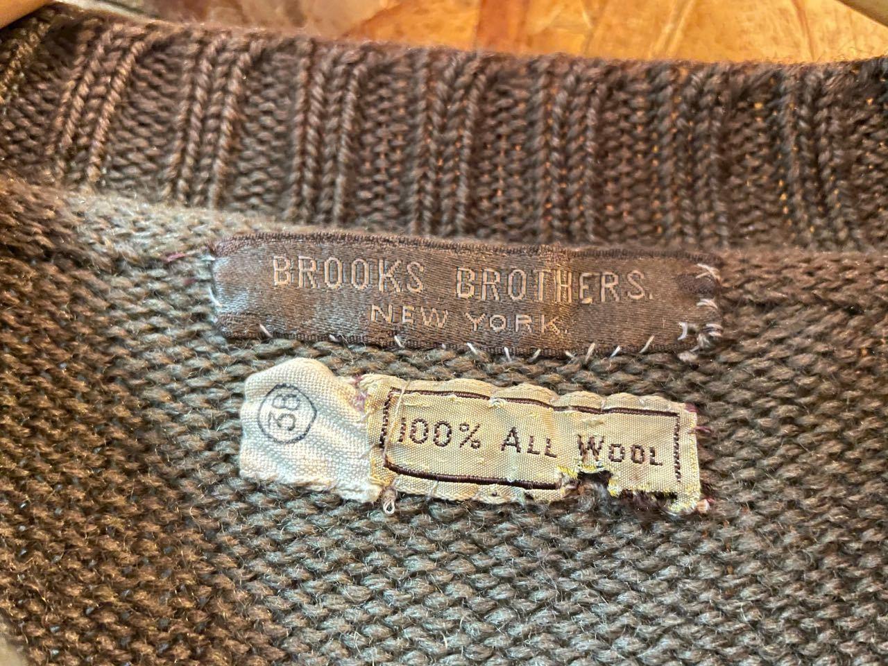 12月25日(金)入荷!40s〜BROOKS BROTHERS Vネックセーター!_c0144020_17373864.jpg