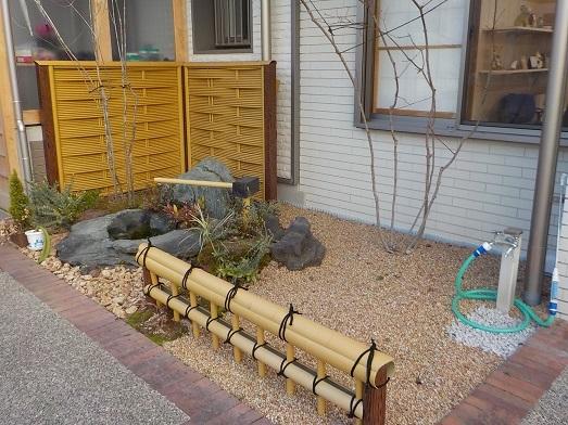 移植樹木のある庭_f0045132_14355599.jpg