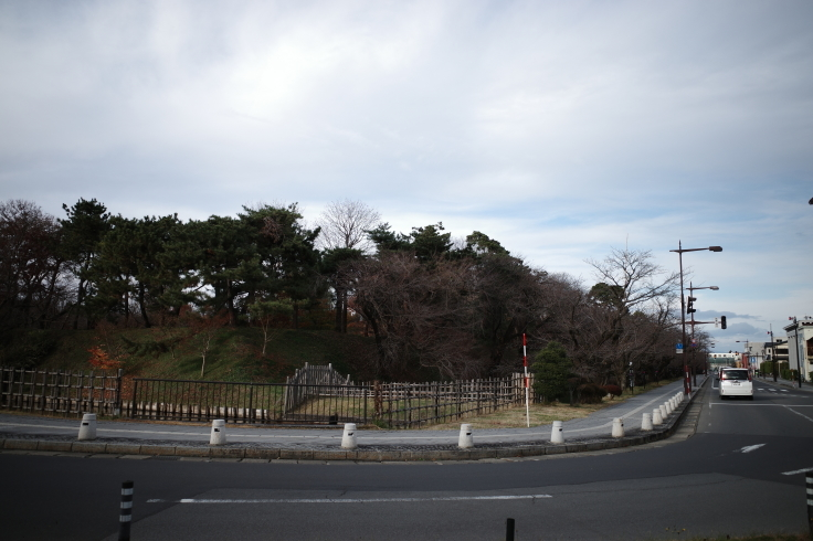 Go to トラベル in 青森県 その27 ~ 旧東奥義塾外人教師館、旧弘前市立図書館_a0287336_19285919.jpg