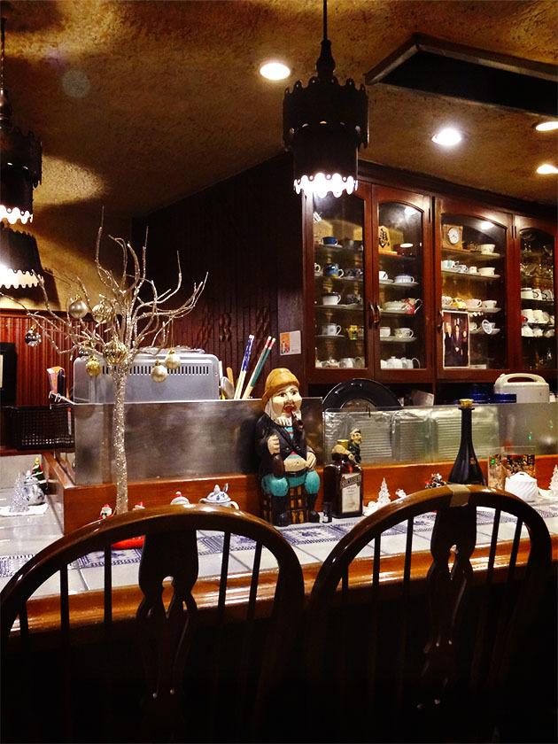 大滝町『Cafè de La Paix(カフェ・ド・ラペ)』の「コーヒーフロート」_c0119263_18164355.jpg