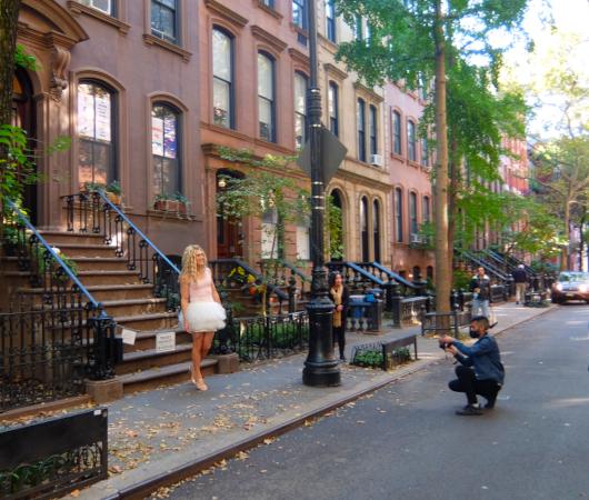 NYお散歩YouTube、『キャリーの家 (SATCロケ地) 前でキャリー姿の方』に遭遇_b0007805_03344102.jpg