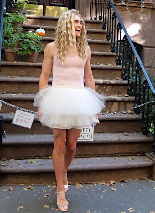 NYお散歩YouTube、『キャリーの家 (SATCロケ地) 前でキャリー姿の方』に遭遇_b0007805_04061094.jpg