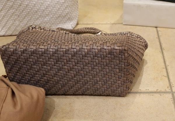 MUZICA VITA の革編みトートバッグ新色が入荷しました。_c0227633_12504935.jpg