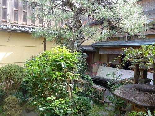 京都・今出川「西陣 鳥岩楼」へ行く。_f0232060_21234338.jpg