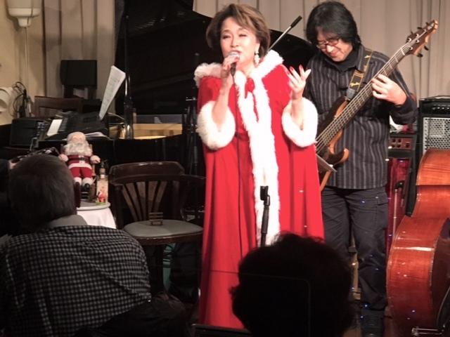 25日クリスマス~~レイアで歌いました☆_d0103296_21421207.jpg