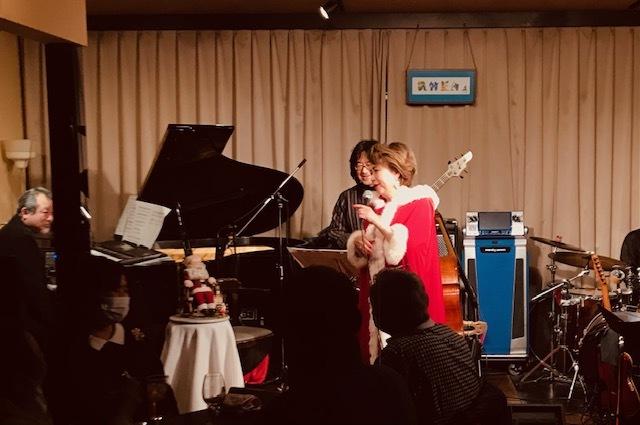 25日クリスマス~~レイアで歌いました☆_d0103296_21585759.jpg