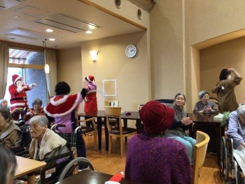 クリスマス会開催_e0163042_18030794.jpg