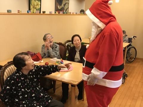 クリスマス会開催_e0163042_18075050.jpg