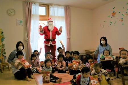 よこて卸町園『クリスマス会』を開催しました。 _f0141477_09470688.jpg